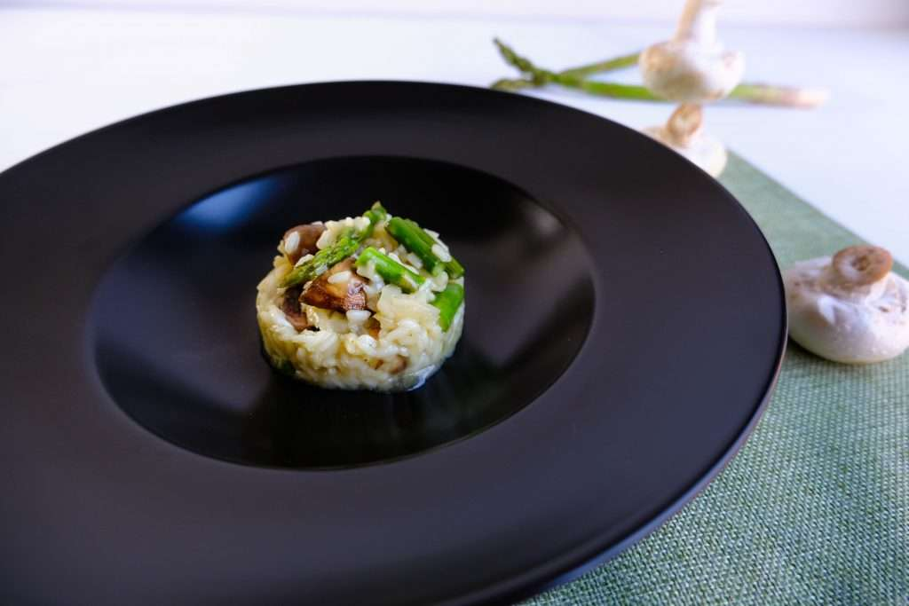 Risotto met groene asperges en champignons